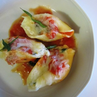 Cheese Stuffed Jumbo Pasta Shells Fae's Twist & Tango