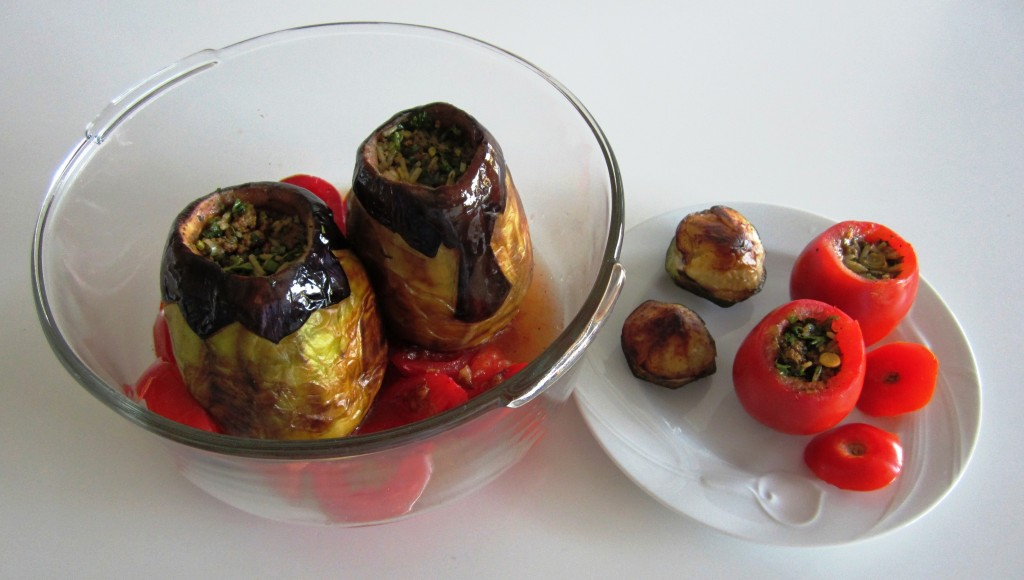 Dolmeh Bademjan va Gojehfarangi - Stuffed Eggplants and Tomatoes | Fae's Twist & Tango