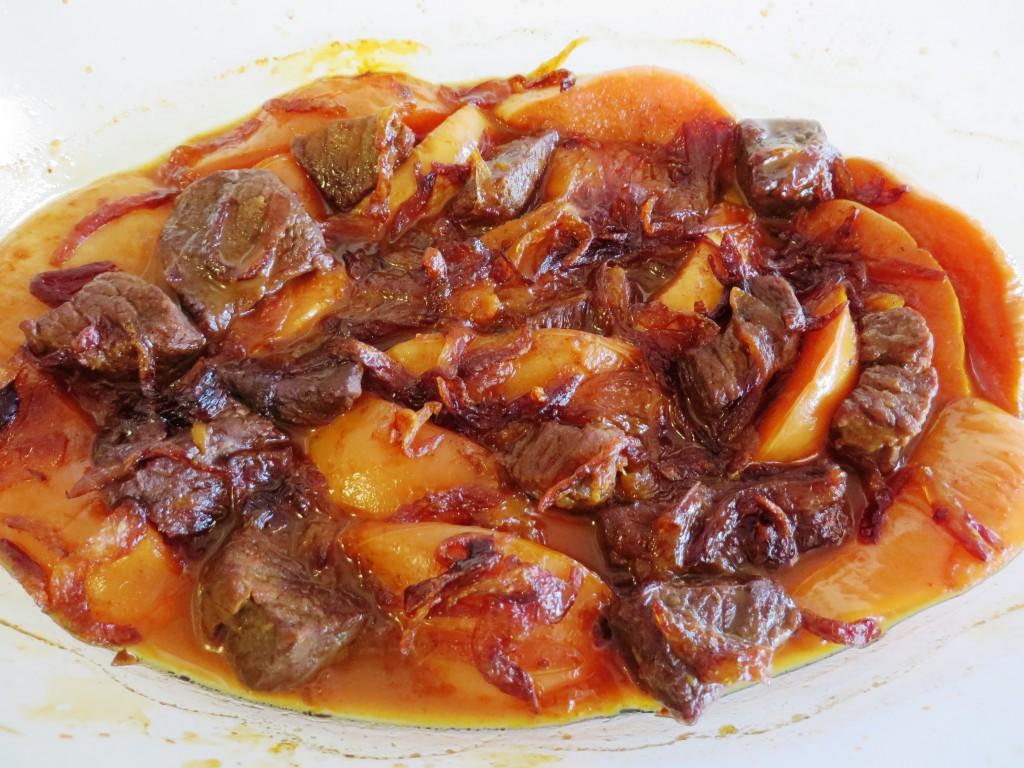 Khoresh Beh خورش به - Quince Stew   Fae's Twist & Tango