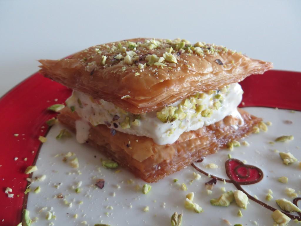 Baghlava Baklava Ice-Cream بستنی باقلوا| Fae's Twist & Tango