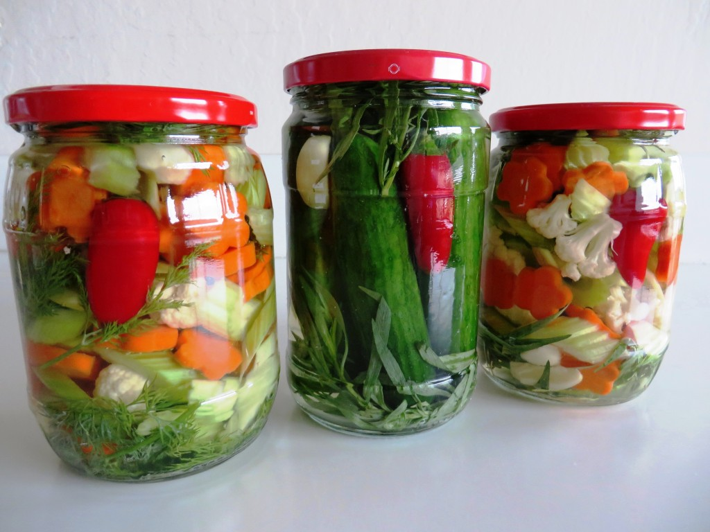 Persian pickles |Cucumber in brine Khiar Shour خیار شور | Mixed Vegetables in Brine Makhlut Shour مخلوط شور |Fae's Twist & Tango