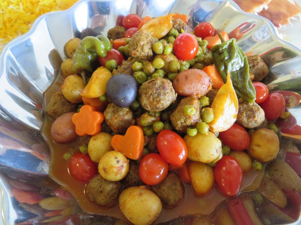Khorak'e Nokhod Farangi •خوراکه نخود فرنگی • Green Pea Stew | Fae's Twist & Tango