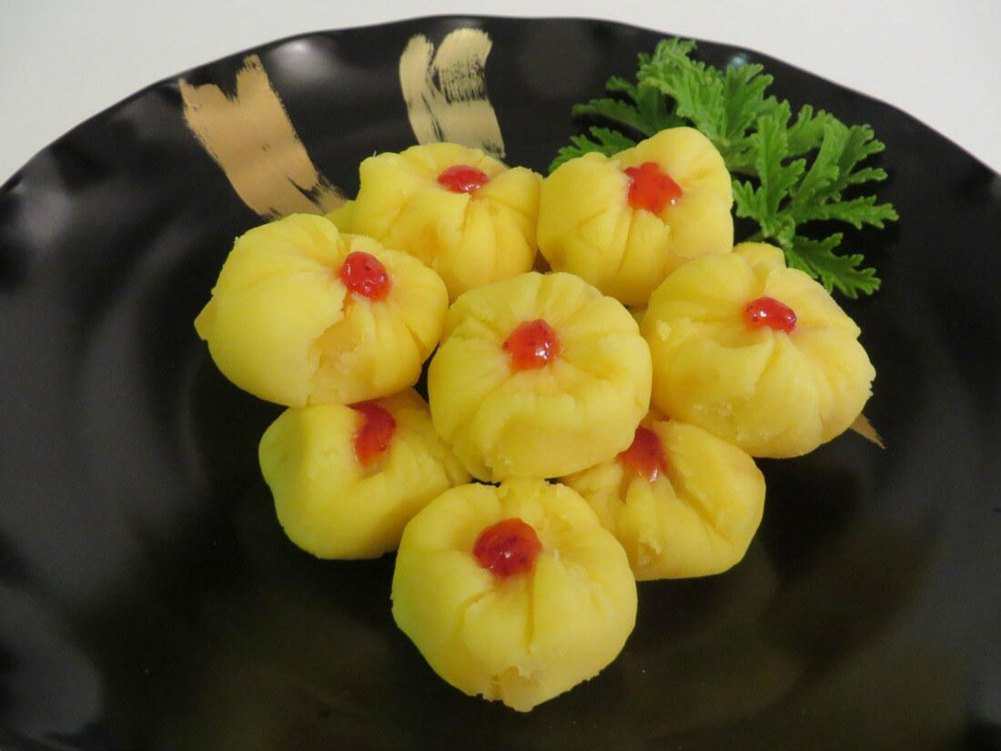 Kuri Kinton • 栗きんとん • Sweet Potato and Chestnut Cakes | Fae's Twist & Tango