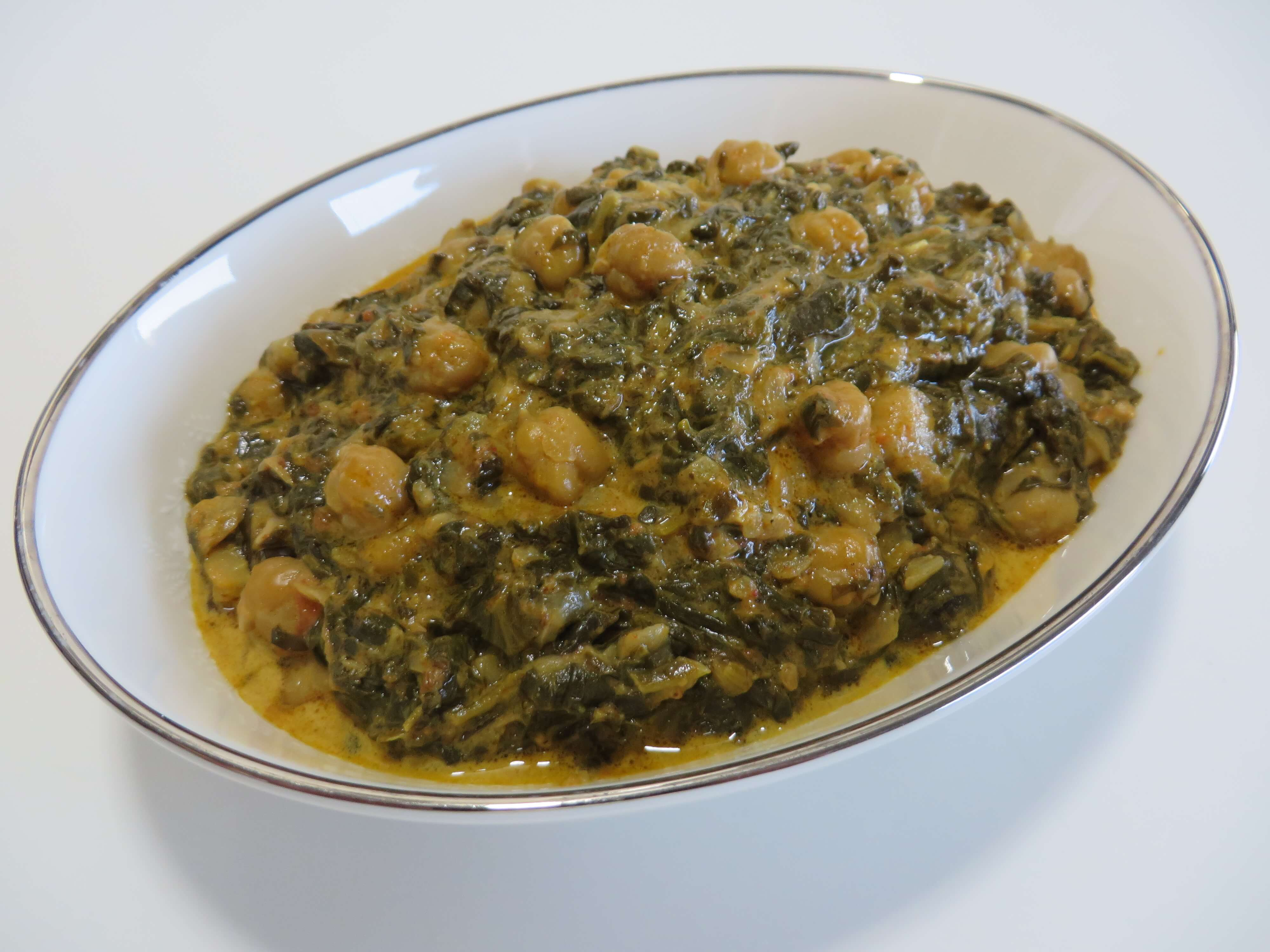 Chana Saag - Indian Spinach & Chickpea Curry | Fae's Twist & Tango (fae-magazine)